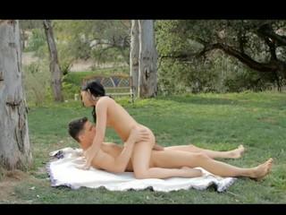 The beautiful Jenna Ross fornicates outside with boyfriend
